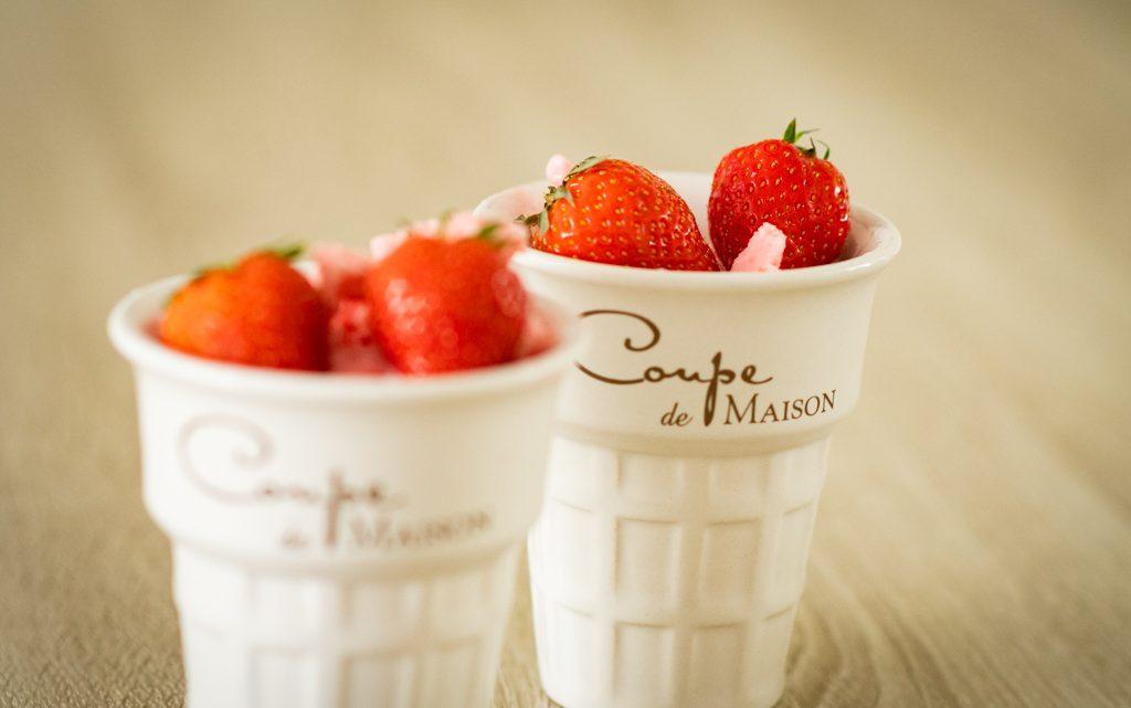 Aardbeien-yoghurt ijs
