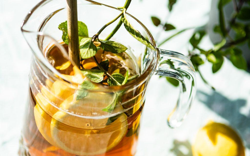 Iced tea lemon met een vleugje munt